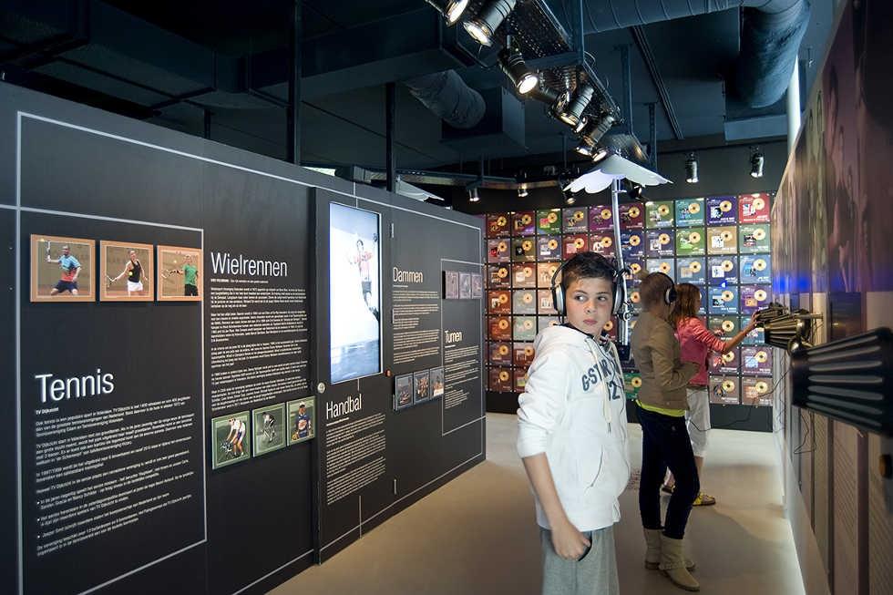 Fotobehang en plexiglazen schilderijen Museum Uniek Volendam